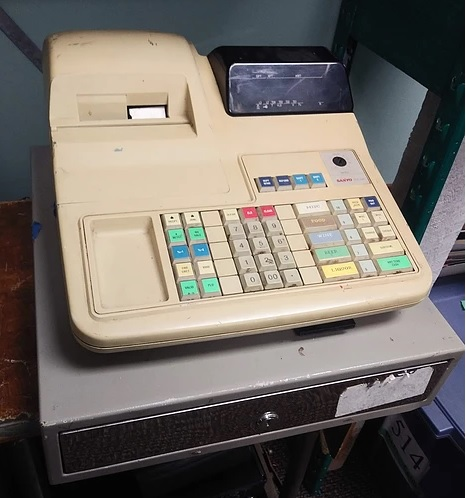 vintage cash register prop - sanyo ecr-425